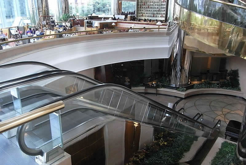 JW Marriott Hotel Hong Kong interior and escalator