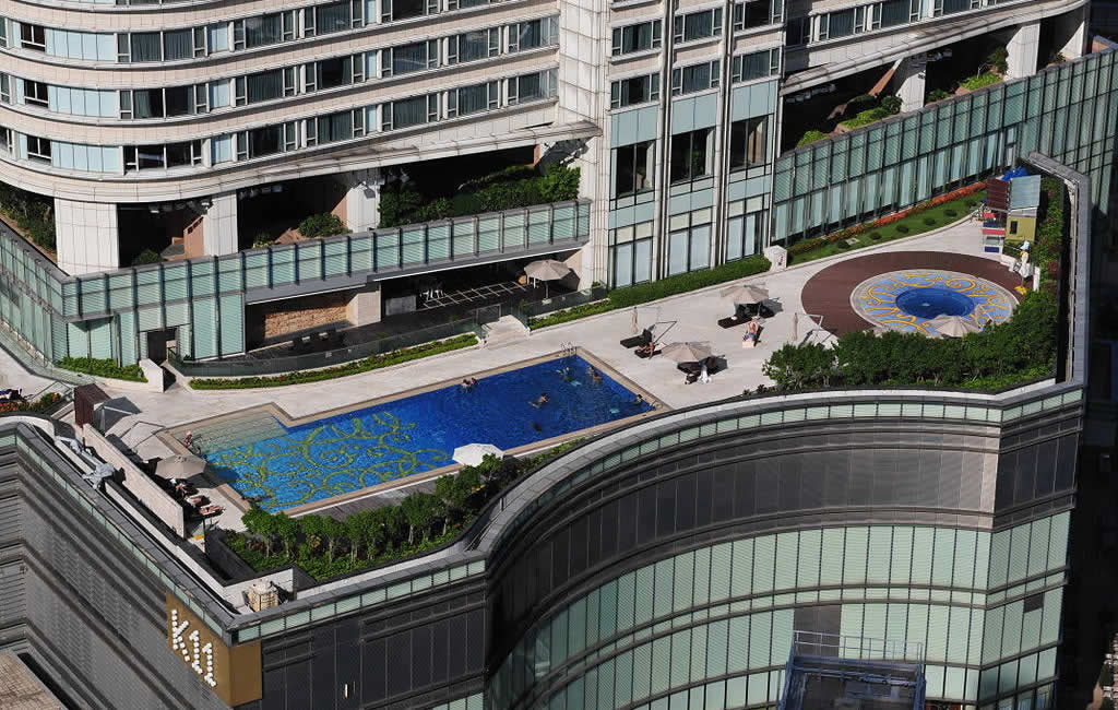 Hyatt Regency Hong Kong, Tsim Sha Tsui outdoor pool